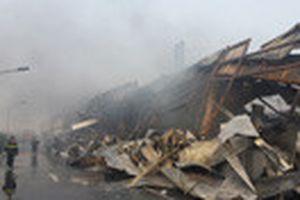 Cháy lớn tại nhà máy Mobase ở Bắc Ninh