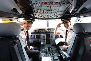 Nghề phi công hấp dẫn giới trẻ