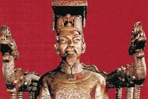 Đau lòng vua chết oan vì quan tham 10 mâm vàng