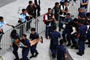 Cảnh sát Hồng Kông dùng hơi cay giải tán sinh viên