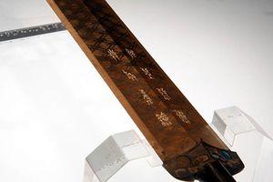 Ngắm cổ kiếm ngàn năm không gỉ của Việt Vương Câu Tiễn
