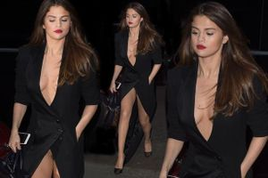 Selena Gomez 'lộ hàng' khó hiểu ở Paris Fashion Week
