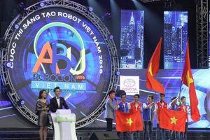 Vô địch Robocon, ĐH Lạc Hồng là đại diện tham dự giải quốc tế
