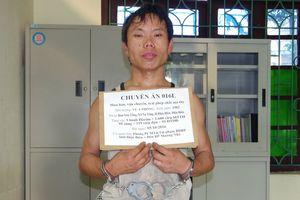 BĐBP Điện Biên bắt đối tượng vận chuyển 3 bánh heroin, 1.600 viên ma túy tổng hợp