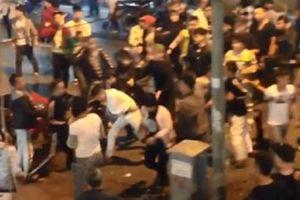 Nhân chứng kể lại vụ hỗn chiến trên phố đi bộ ở Hà Nội