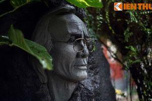 Thăm ngôi mộ đặc biệt của cố nhạc sĩ Trịnh Công Sơn