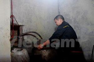 Bài 3: Bếp rượu truyền thống lao đao sau những ngày biến cố