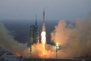Trung Quốc phóng tàu chở hàng đầu tiên lên không gian