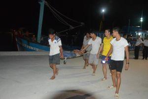 Bệnh xá đảo Sinh Tồn kịp thời cấp cứu ngư dân gặp nạn trên biển