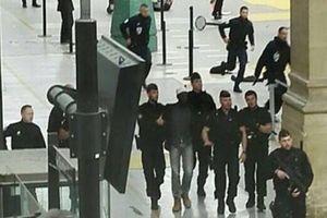 Pháp bắt 5 nghi can trong chiến dịch chống khủng bố trước thềm bầu cử