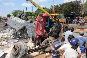 Vụ tai nạn thảm khốc khiến 13 người chết ở Gia Lai: Lời kể kinh hoàng của nhân chứng