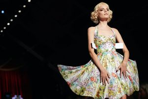 Lạc thế giới thần tiên với BST thời trang 'Những búp bê giấy'