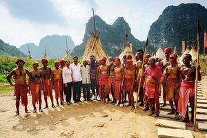 Đạo diễn phim Kong: Skull Island quay lại Tràng An