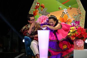 """Ngạc nhiên cô bé 5 tuổi nhảy điệu Hawaii trong """"Tiếu lâm tứ trụ nhí"""""""