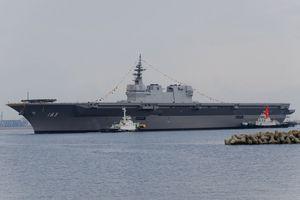 Nhật Bản sắp đưa tàu JS Izumo qua Biển Đông nắn gân Trung Quốc?
