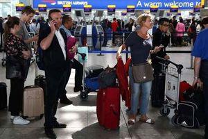 Anh: Bristish Airways chi 100 triệu bảng đền bù hành khách