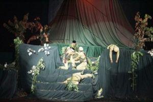 Bộ đội tình nguyện Việt Nam trên sân khấu kịch Lào