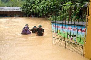 Điện Biên: Ngập lụt đến cổ, thêm người mất tích do mưa lũ