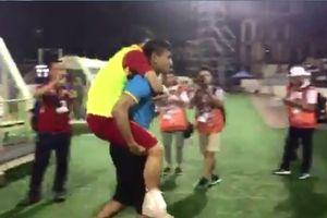 Duy Mạnh gặp chấn thương nặng sau trận đấu với Indonesia