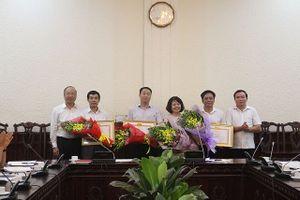 Hai Phó Tổng Biên tập Báo Pháp luật VN được tặng Bằng khen