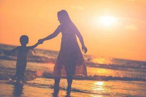 Làm mẹ đơn thân, thà mệt thể xác còn hơn đau tinh thần