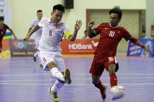 Thắng nghẹt thở Indonesia, Việt Nam đặt một chân vào bán kết futsal Đông Nam Á