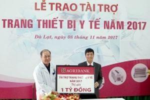 Agribank Lâm Đồng tài trợ thiết bị y tế cho bệnh viện tỉnh