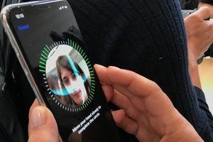 Đã có một số người đem trả lại iPhone X vì cảm thấy bất tiện và khó chịu