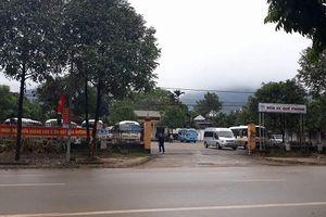 Nghệ An: Xe dù hoạt động rầm rộ, tuyến cố định 'đình công' phản đối