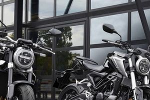 Honda CB125R 2018 ra mắt – mẫu côn tay cho người mới chơi