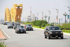 Đoàn xe Tổng thống Trump lăn bánh trên cầu Rồng Đà Nẵng