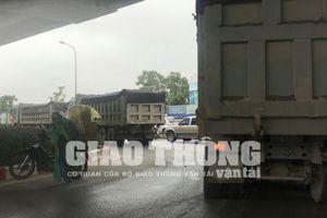 Hà Nội: Hung thần 'xe vua' diễu phố cấm, cơ quan chức năng ở đâu?