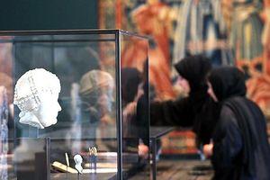 Chùm ảnh: 'Đột nhập' Bảo tàng Louvre đầu tiên bên ngoài nước Pháp