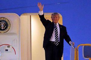 Air Force One của Tổng thống Donald Trump vừa hạ cánh xuống sân bay Nội Bài