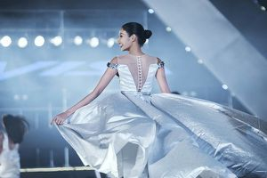 Hoàng Thùy, Kim Nguyên cùng dàn mẫu chuẩn hoa hậu góp mặt trong bộ sưu tập mới của Vincent Doan