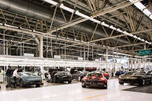 Bên trong nhà máy của Aston Martin