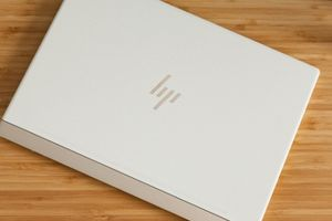 HP Spectre 13: Cấu hình 'ngon', thiết kế đẹp, giá chuẩn