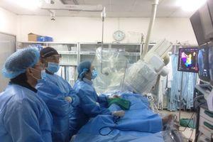 Bác sĩ Mỹ, Nhật cứu sống 10 bệnh nhân bị loạn nhịp tim