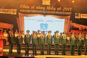 Vinh danh 60 thầy giáo mang quân hàm xanh 'gieo chữ' cho trẻ em vùng biên
