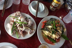 Du khách bị 'chém' bữa cơm hơn 8 triệu đồng trên vịnh Hạ Long