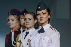 Chao đảo vì các thí sinh hoa hậu học viên quân sự ở Nga