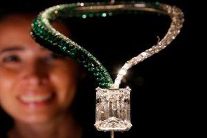 Kỷ lục: Viên kim cương khổng lồ được bán đấu giá 34 triệu USD