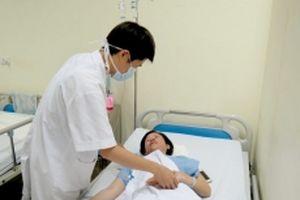 Lần đầu tiên áp dụng thành công mổ nội soi u hốc mắt qua đường mũi tại Việt Nam