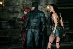 Bom tấn 'Justice League': Giới phê bình 'đá nhau chan chát'