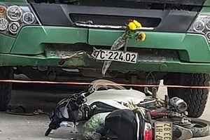 Xe máy đối đầu với ô tô, một người tử vong tại chỗ