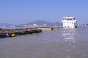 Phải trục vớt xong các tàu bị chìm tại vịnh Quy Nhơn trong tháng 12