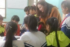 Hành trình gieo chữ của cô giáo thành thị 20 năm cắm bản