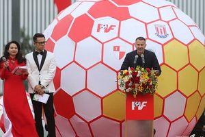 Ryan Giggs: 'Tin rằng VPF sẽ giúp bóng đá Việt Nam dự World Cup 2030'