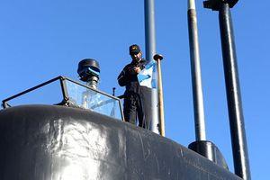 Không có cuộc gọi nào từ tàu ngầm Argentina mất tích từ 6 ngày trước