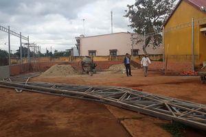 Bất chấp chỉ đạo, nhà trường 'vượt rào' thu tiền xây dựng nhà phụ trợ